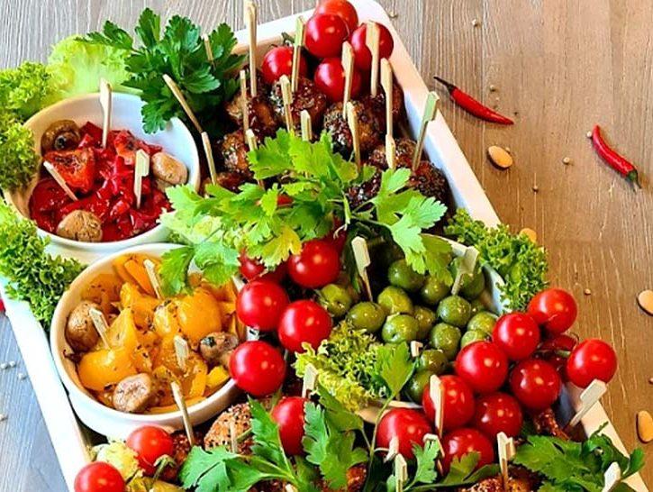 Obst und Gemüse geschmackvoll zurbereitet